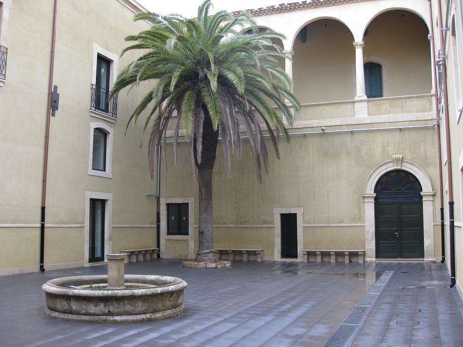 Cortile CUMO - Ex Istituto Carlo Giavanti a NOTO